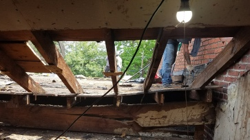 Notice the beam cracked in multiple places. Time for a new one!